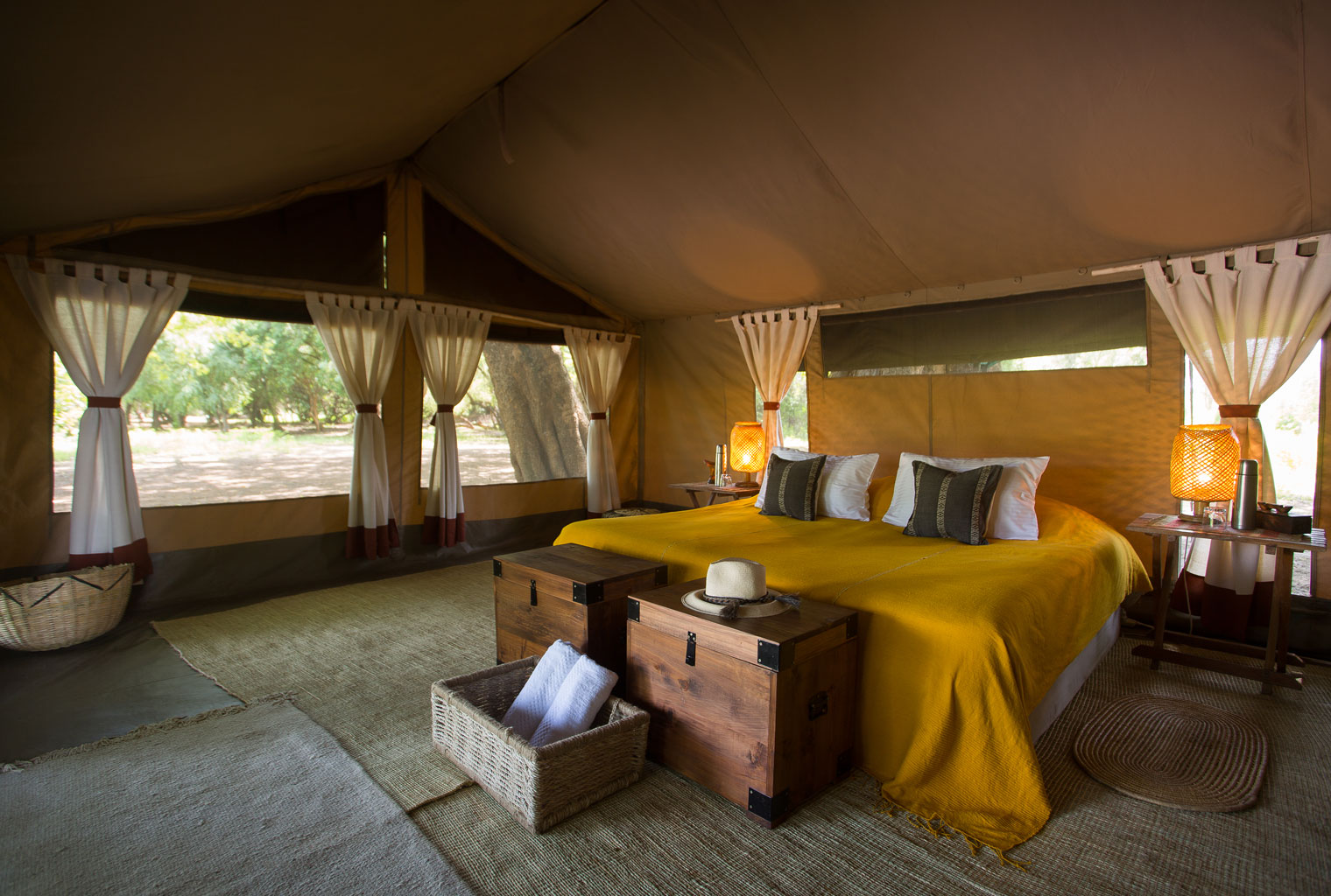 https://www.c4photosafaris.com/uploader/images/Lales-Camp-Ethiopia-Omo-Valley-Double-Bedroom.jpg